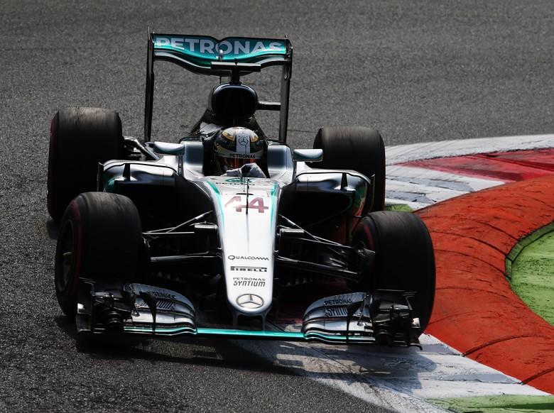 Pole Milik Hamilton, Rosberg di Posisi Dua