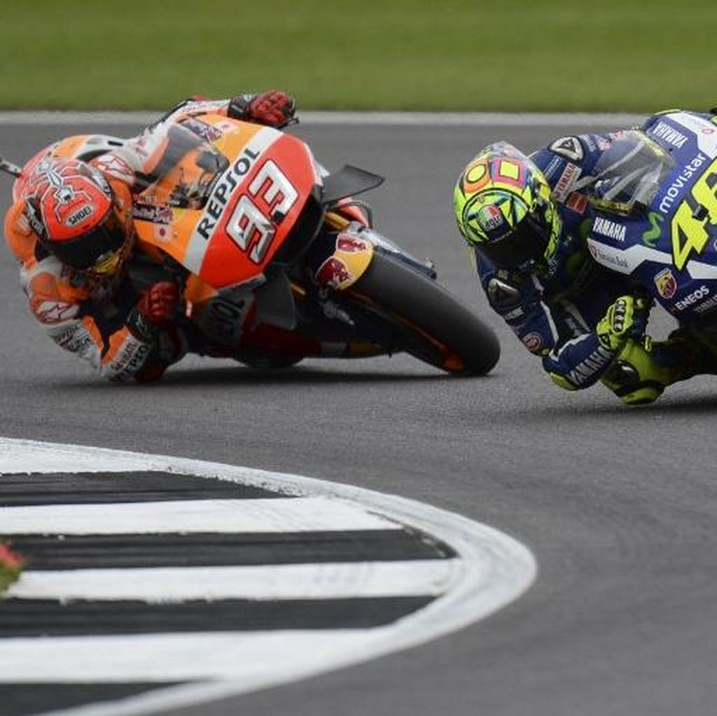 Marquez: Senang Bisa Terus Balapan dengan Rossi