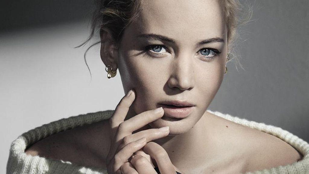 Foto: Pesona Jennifer Lawrence di Iklan Tas Terbaru Dior