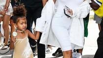 Rilis Label Baju Anak, Kim Kardashian Ketahuan Tiru Rancangan Desainer