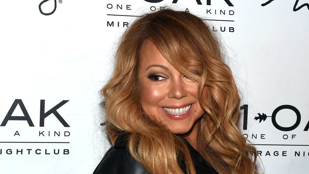 Pasca Batal Nikah, Mariah Carey Bakar Gaun Pengantin Senilai Rp 3,3 M