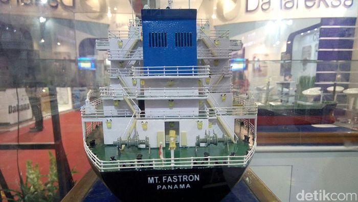 Maket kapal buatan PT PAL Indonesia (Foto: Ardan Adhi Chandra)