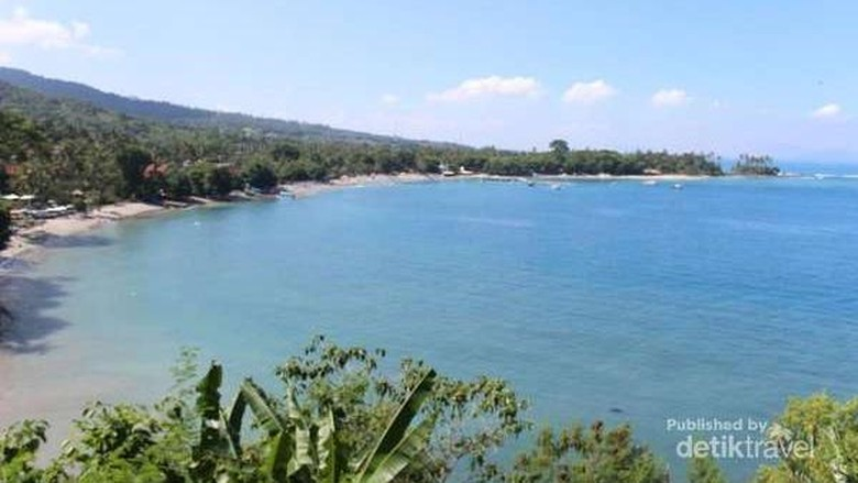 Foto: Pantai Senggigi dari ketinggian (Darwance Law/dTraveler)