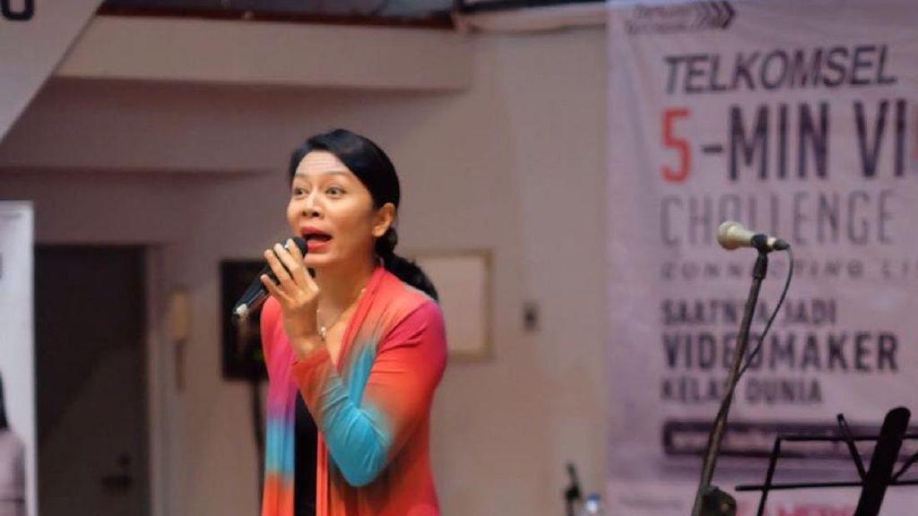 Dewi Lestari Berbagi Tips Merangkai Alur Cerita Video
