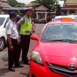 Sopir Taksi Online Palembang Tolak Pemasangan Stiker