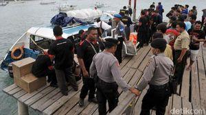 Kapal Pengangkut Wisatawan Asing Meledak di Bali