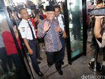 Wapres JK Melayat AM Fatwa di RS MMC