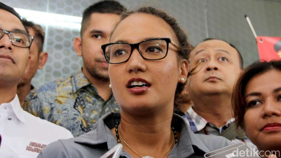 Nadine Chandrawinata Dicecar Soal Gatot Brajamusti