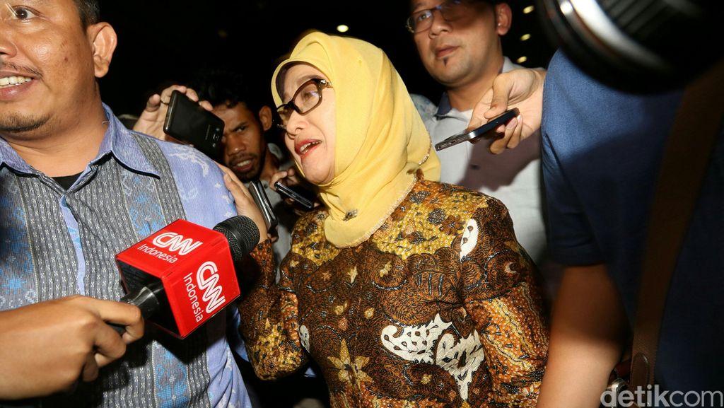 PNS Tajir Diduga Beri Pajero ke Bupati Indramayu, Pengacara: Mungkin Jual-Beli