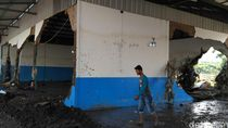 Sisa Kedahsyatan Banjir Bandang di Pabrik Susu