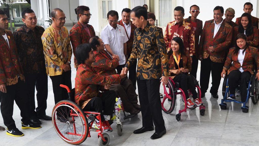 Presiden Jokowi Sambut Atlet Peraih Perunggu Paralympic di Istana