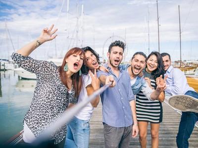 Traveling Bersama Sahabat VS Bersama Keluarga, Pilih Mana?