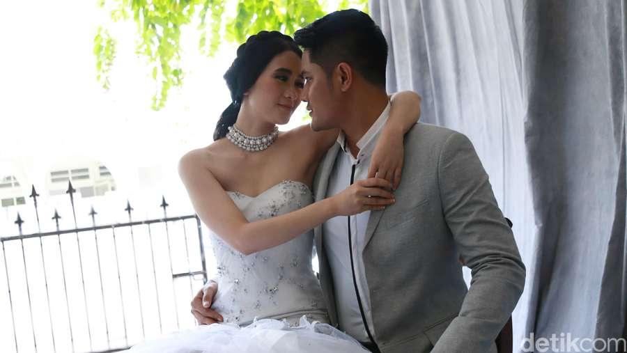 Mesranya Ryana Dea dan Puadin Redi saat Foto Prewedding
