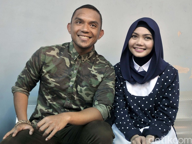 Rina Nose Lepas Hijab, Mantan Tunangan: Aku Bangga, Youre Beautiful