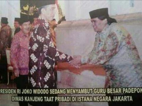 Foto Dimas Kanjeng dan Jokowi