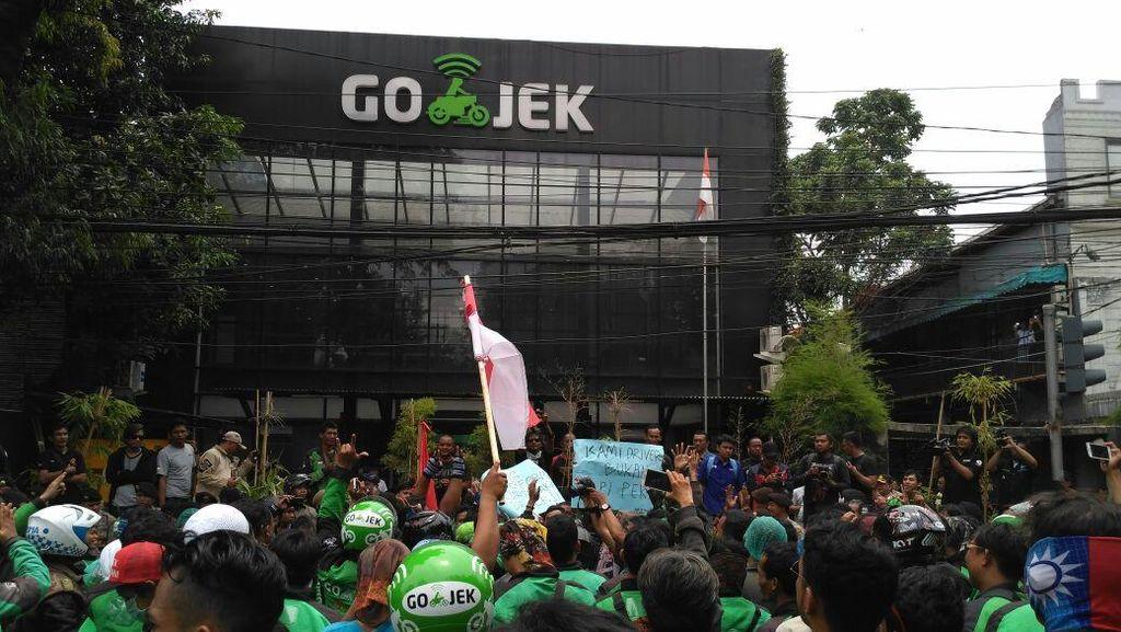 Demo Besar-besaran Go-Jek, Jalan di Kemang Dialihkan