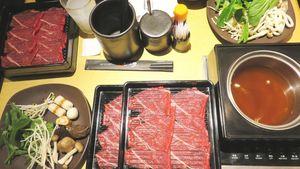 Puas Menyantap Shabu-shabu Hangat All You Can Eat di Restoran Ini