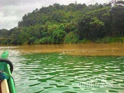 Nih, Sungai Dua Warna di Sukabumi