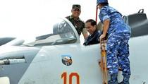 Jokowi Jajal Kokpit Sukhoi SU-30