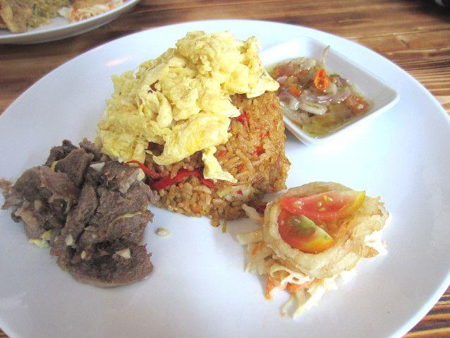 Ditambah <i>Lamb Chop</i> hingga Wagyu Jadi Nasi Goreng Mewah
