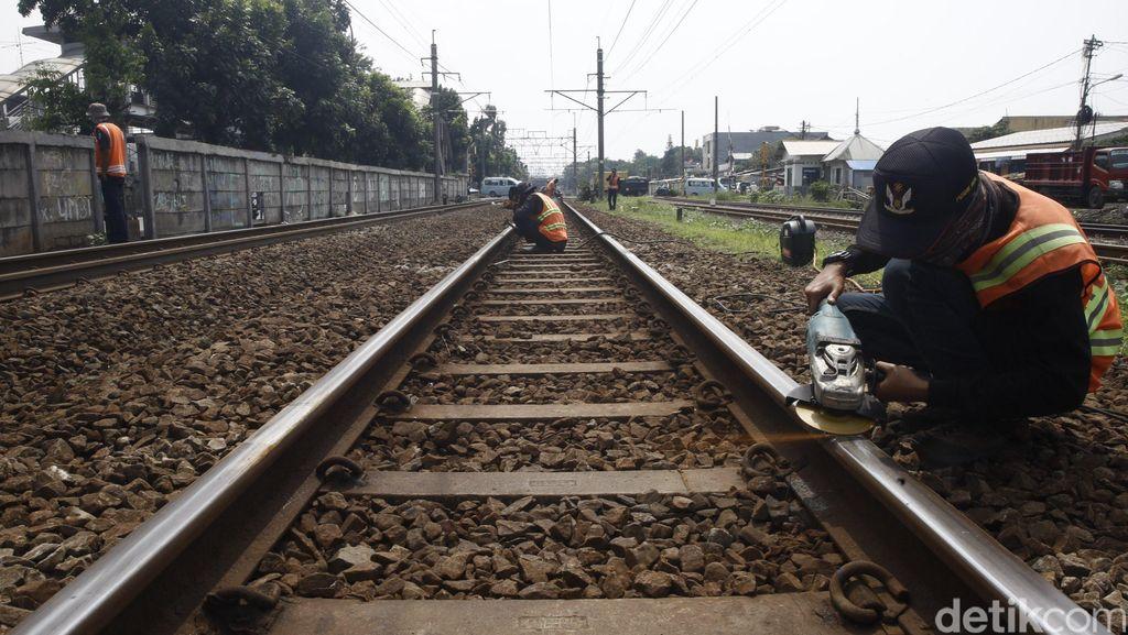 Sumatera Punya 1.276 Km Rel KA, Tapi Putus-Putus
