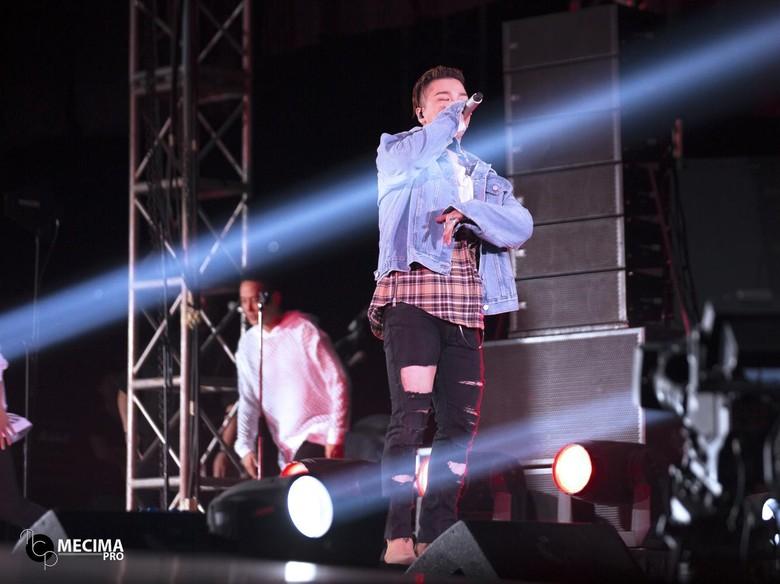 Nell dan Taeyang Sukses Bikin Penonton Teriak Histeris di Saranghaeyo Indonesia 2016