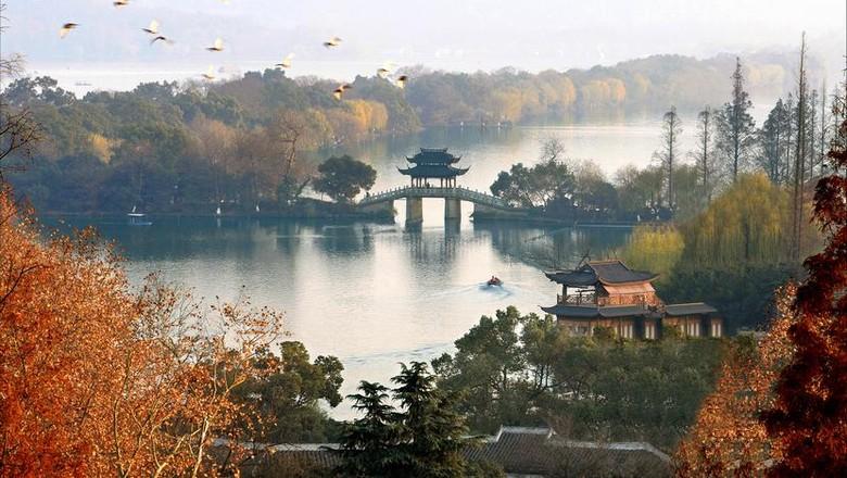 Danau Xi Hu di China (cnto.org)