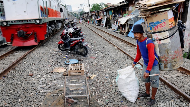 Cara Jokowi Genjot Ekonomi Tak Selamatkan Banyak Pengangguran