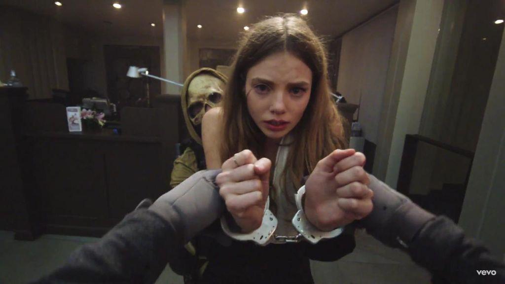 Drama Perampokan Bank Penuh Darah di Video Klip Baru The Weeknd