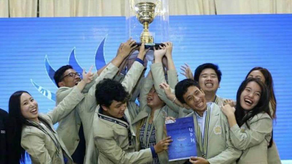 Delegasi UGM Juara Umum Kompetisi Mahasiswa Kedokteran Internasional