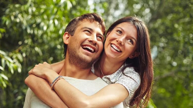 Romantis Itu Nggak Harus Terungkap Lewat Bunga/ (Foto: ilustrasi/thinkstock)