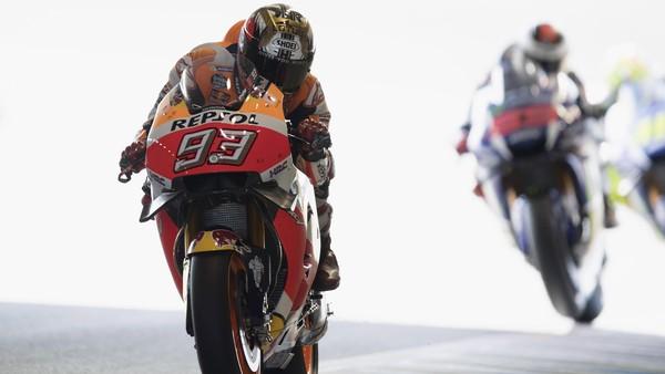 Rossi dan Lorenzo Sama-Sama <I>Crash</I> di Motegi, Marquez: Aneh