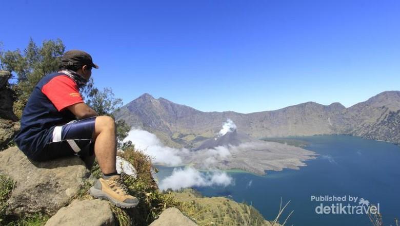 Gunung Rinjani dari Plawangan Senaru, Lombok (riocandrap/dTraveler)