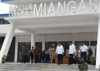 Presiden Jokowi meresmikan Bandar Udara Miangas
