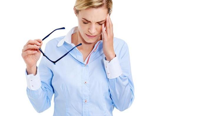 Mengalami kejadian traumatis bisa membuat seseorang terguncang jiwanya. Dampak lainnya, kekambuhan sakit kepala dan migraine bisa jadi lebih sering. Foto: iStock