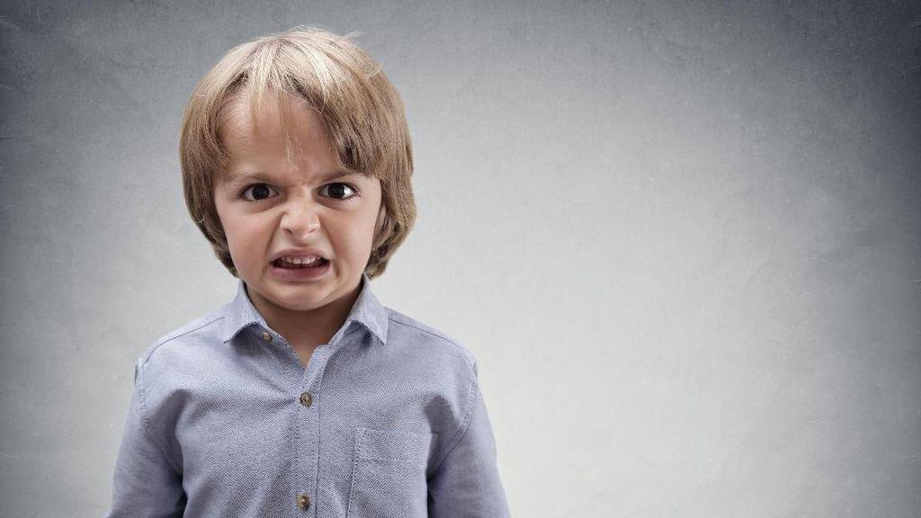 Teman Anak Bandel, Orang Tuanya Perlu Dikasih Tahu Nggak Ya?