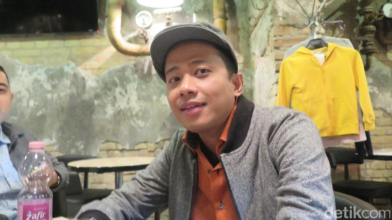 Komika Acho Dipolisikan, Vanessa Angel Ngamuk Penerbangan Delay