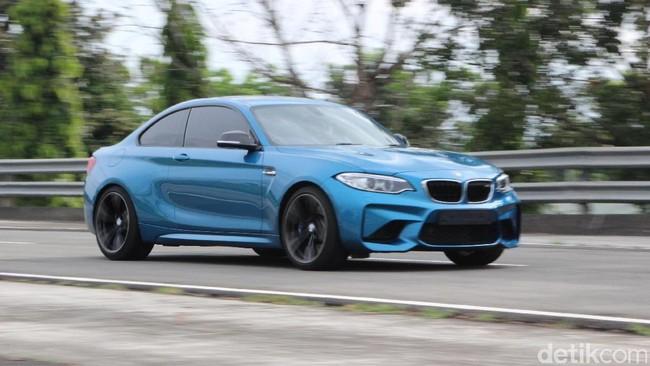Si Jagoan Ngedrift BMW M2 Coupe