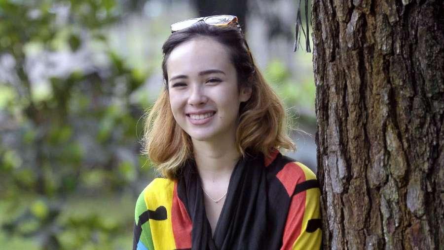 Pamela Bowie, Bengong Aja Tetap Cantik