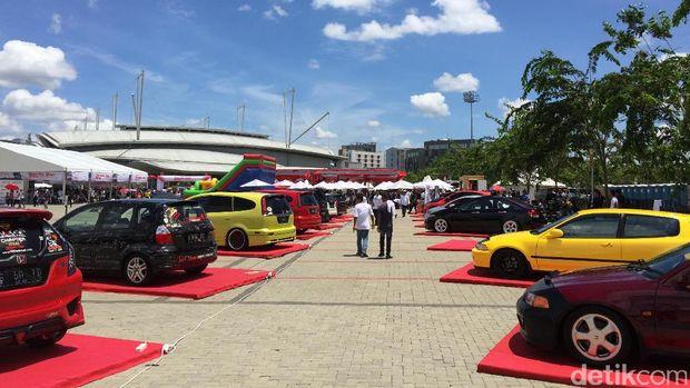 2.000 Mobil Honda Tumplek di BSD ICE, Tangerang