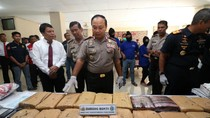 Polda Kalbar Tangkap 6 Tersangka Penyelundupan Sabu dan Ganja