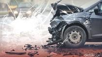 2 Mobil dan Motor Kecelakaan di Fatmawati Jaksel