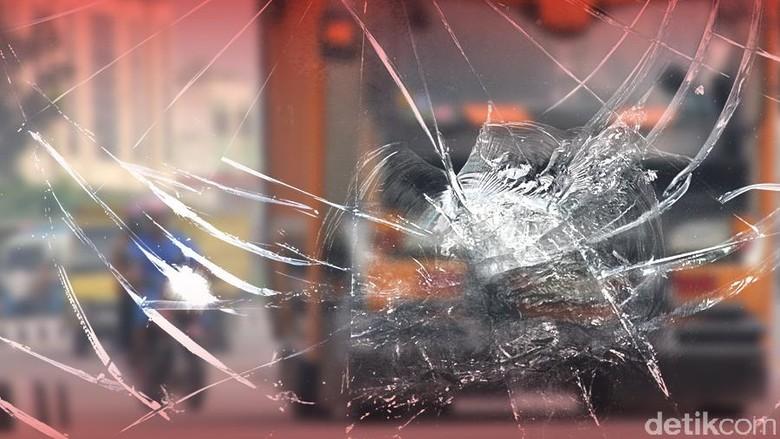 Imbas Kecelakaan 2 Truk, Tol Kebon Jeruk Arah Tomang Macet 5 Km