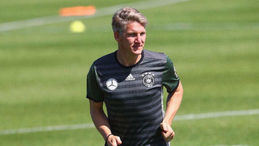 Sudah Berlatih dengan Tim Utama, Schweinsteiger Diminta Tetap Tinggalkan MU