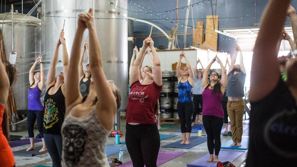 Unik, Ada Kelas Yoga Bertema Harry Potter