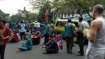 Angkot Vs Taksi Online di Beberapa Kota, Ini Imbauan Kemenhub