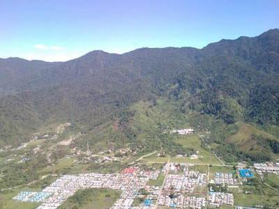 Pemandangan Menakjubkan Sekitar Bandara Sentani di Papua