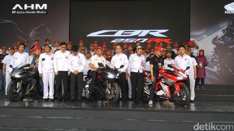 Pertama di Dunia, CBR250RR Diuji di Jalan Raya Bali