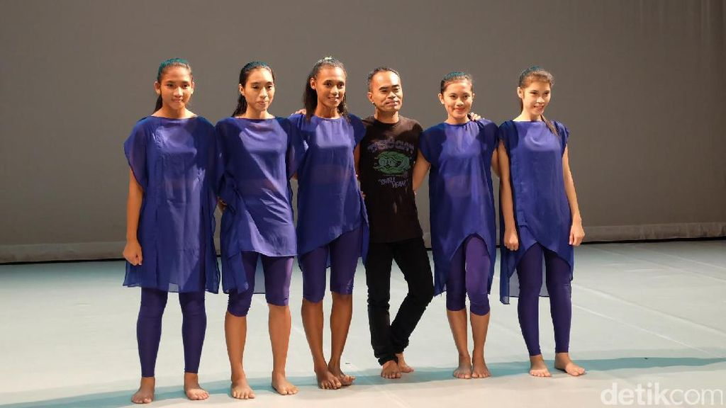 Sukses di Belanda, Tarian Balabala Ekos Dance Company Pentas di Perancis