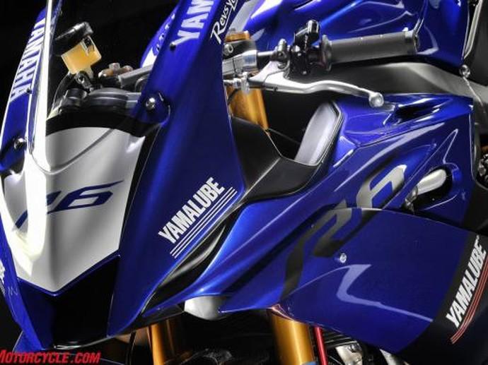 Gagahnya Yamaha YZF-R6